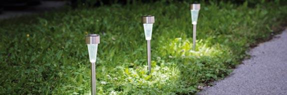 Πώς να φωτίσεις κήπο και μπαλκόνι με ηλιακά φωτιστικά!